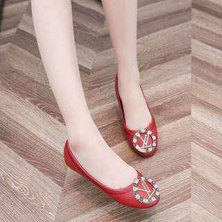 #002 Doll shoes Lv (Replica) PRE ORDER!!! (3 Colors)