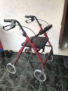 Alat Bantu Jalan Rollator Gea Medical