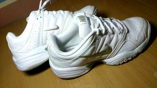 Original White Nike City Court VII Tennis Shoes