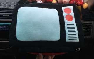 🚚 電視機抱枕