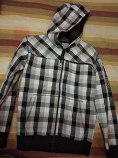 Jaket atau switer