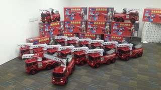 乘用消防車玩具