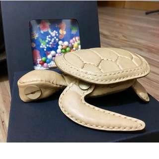 ONE+招牌 限量 海龜 零錢包 植鞣 牛革 海洋 Turtle Bag