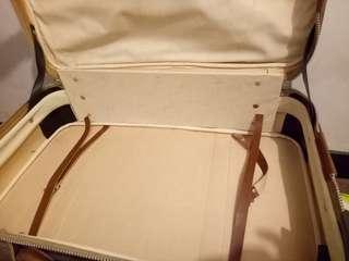 🚚 麂皮復古行李箱