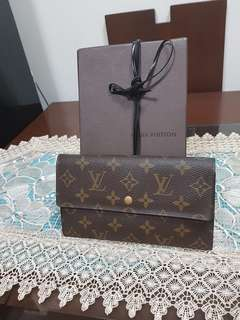LV INTERNATIONAL LONG WALLET