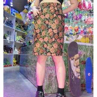 「大花朵 窄裙 高腰 古著 復古 裙子 @一中 舊到過去 腰: 31inch 長: 56cm」