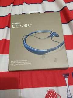 Headset Level U