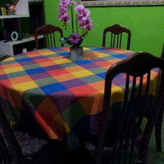 Meja makah besar