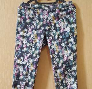 Flower jegging by uniqlo