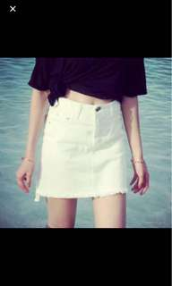 白色牛仔短裙