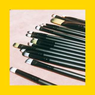 Make up brush set (new)