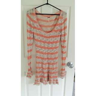 FREE PEOPLE ORANGE AND BEIGE KNIT LONG SWEATER SIZE XS
