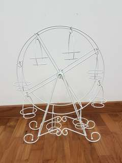 Ferris wheel cupcake stand for rent