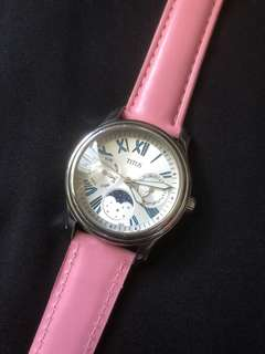 Titus ladies quartz watch