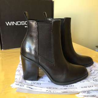 Size 6: windsor smith boots