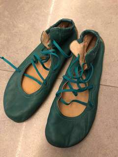 Camper - Leather green flats
