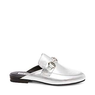 *PRICE DROP*Steve Madden Silver Mules