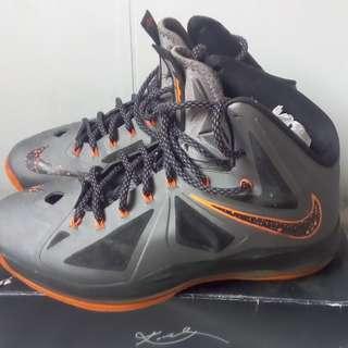 雷霸龍籃球鞋,US10.5號,1000元