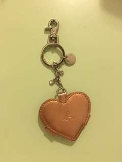 Agnes b 可放相鎖鑰扣