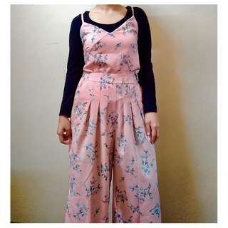 [BN] Two 2 piece set spaghetti strap floral and culottes pants pink girly beachy spring summer flower korean jumpsuit playsuit romper