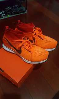 25cm nike跑步鞋