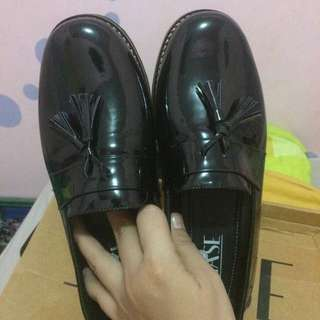 Black saphire loafers