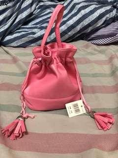 🚚 粉紅小化妝提包