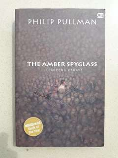 Novel The Amber Spyglass by Philip Pullman