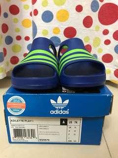 全新小童Adidas涼鞋 US 7K/UK 7K 藍/綠色
