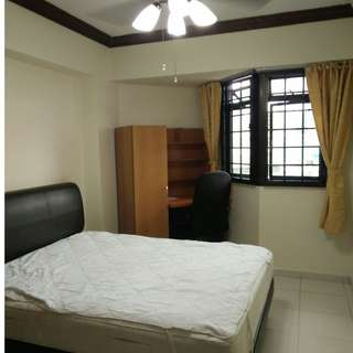 Low rent common room for Single/couple in woodlands 5 mins walk to Admiralty MRT