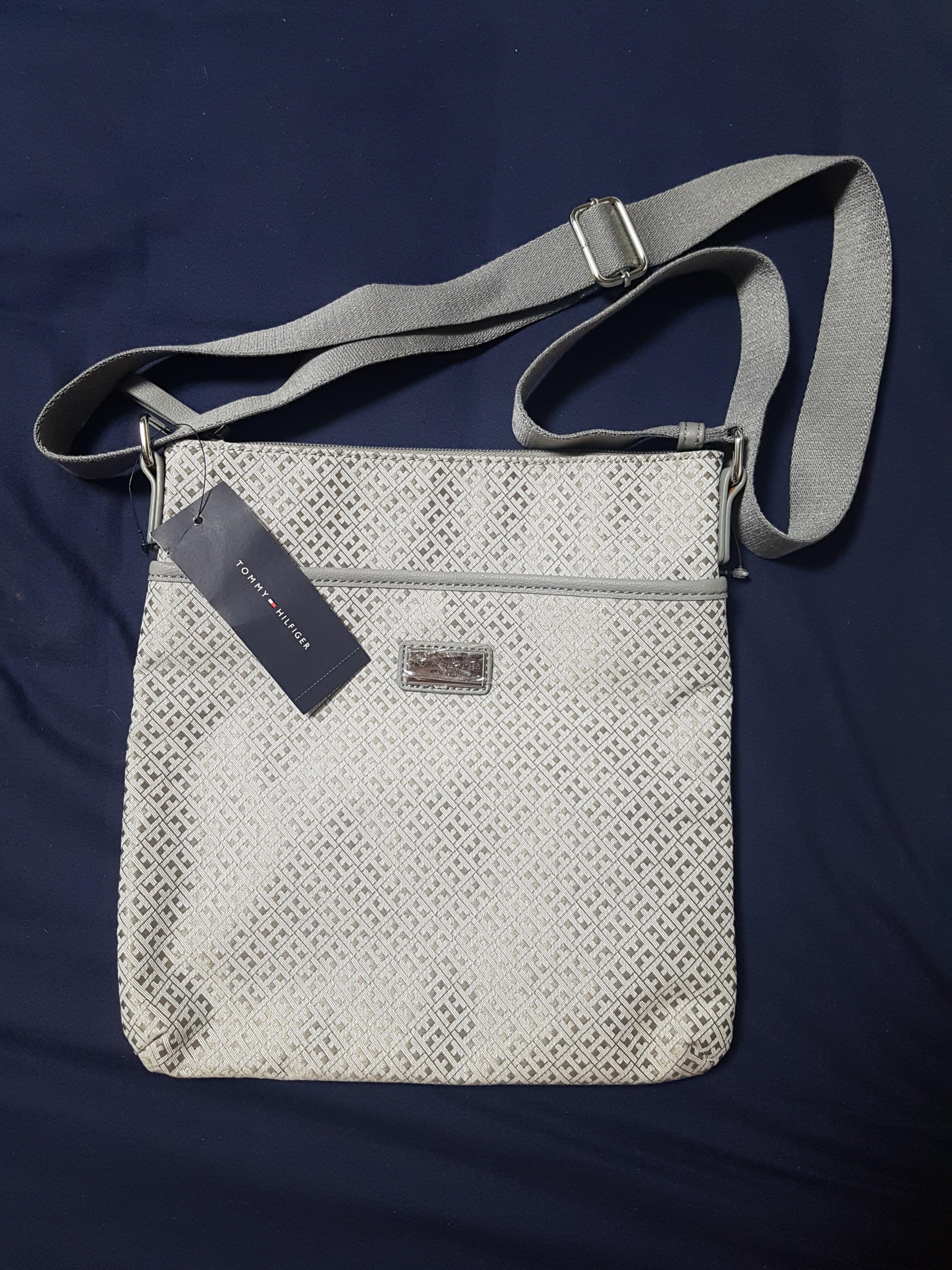 0f8e23538af Authentic Tommy Hilfiger Crossbody Bag BIG DISCOUNT, Women s Fashion ...