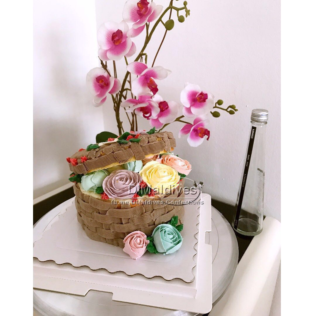 Basket Of Flowers Cream Cake