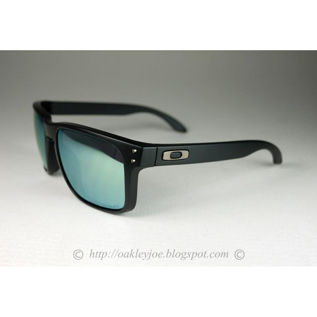 d1e2cd086ec BNIB Oakley Holbrook matte black + emerald iridium polarized oo9102 ...
