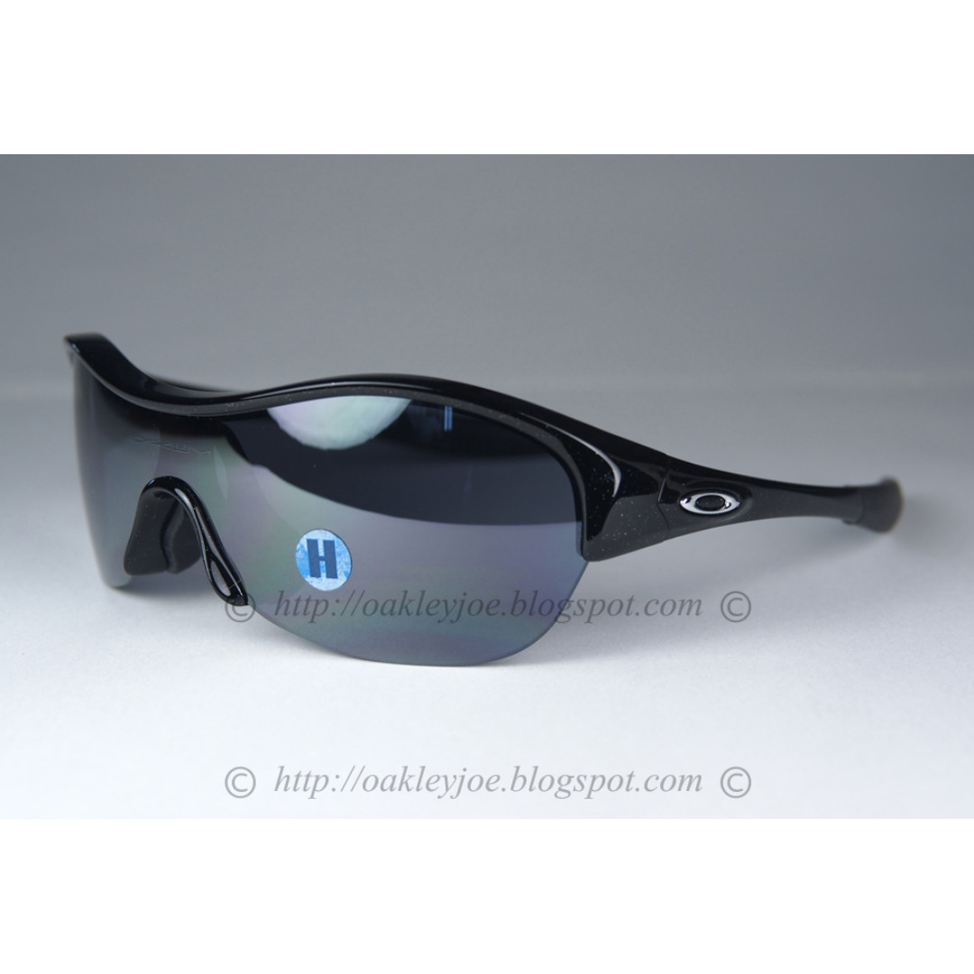 087277319c48 BNIB Oakley Radar EV XS Path Youth Fit enduring pace black + black ...