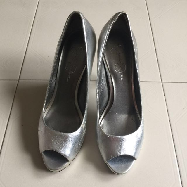4c2a4604bc4 JESSICA SIMPSON Silver leather peep toe heels shoes