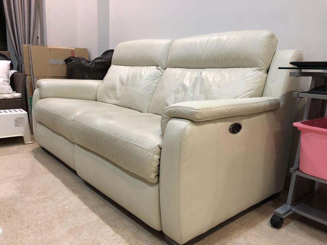 Super Comfy Leather Sofa W Reclining