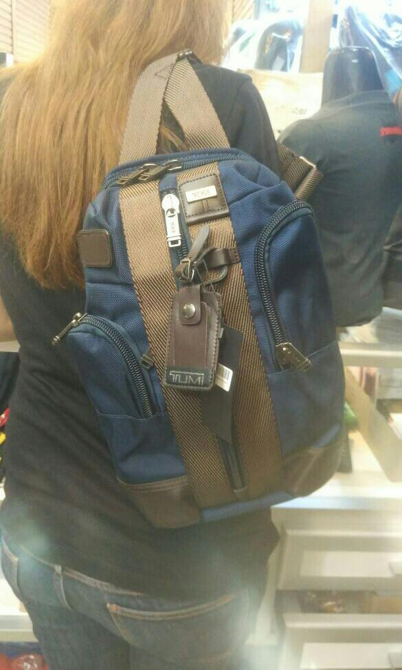TUMI SARATOGA Sling Bag Biru