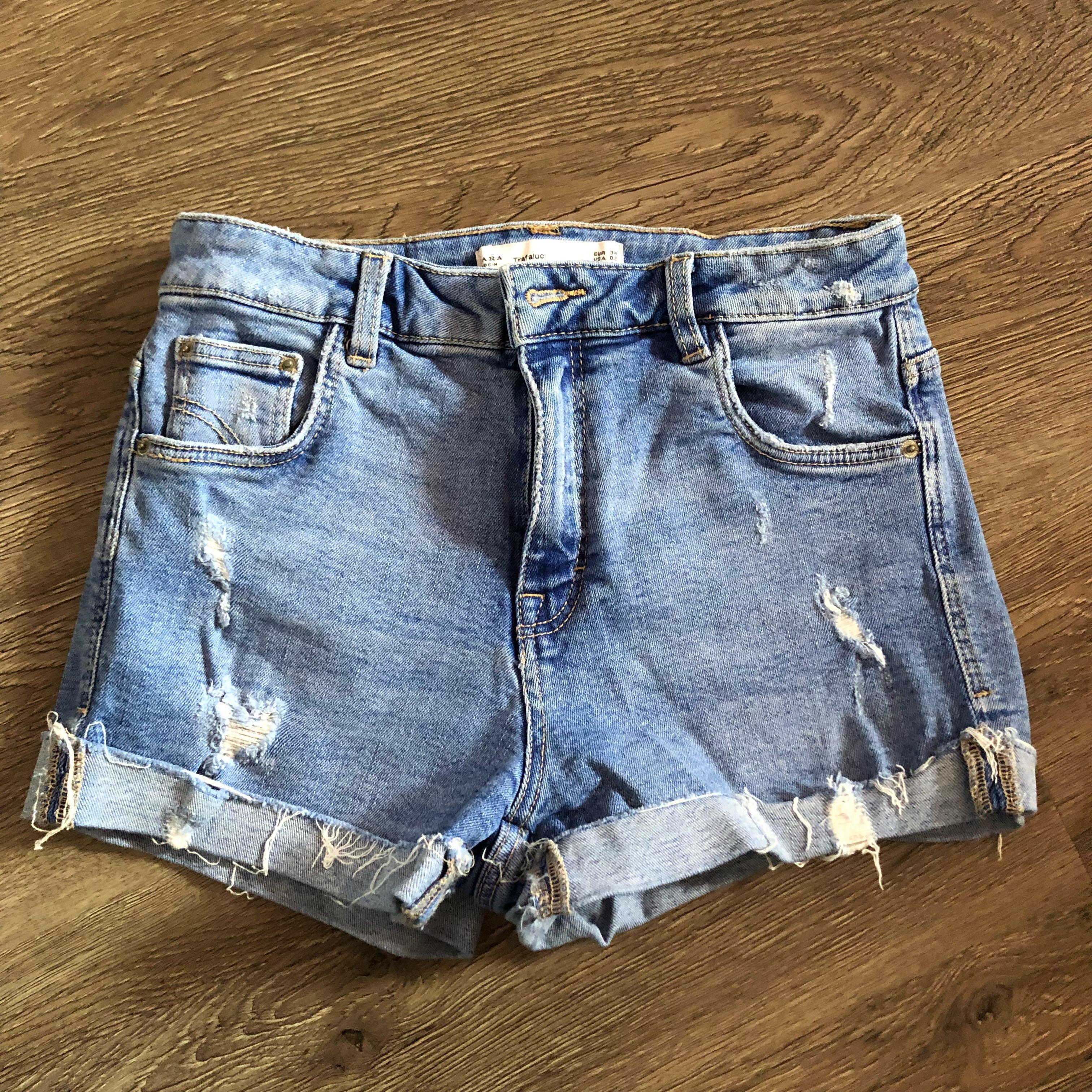 bb8d2042 ZARA denim shorts, Women's Fashion, Clothes, Pants, Jeans & Shorts ...