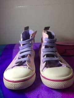 Sepatu anak model converse