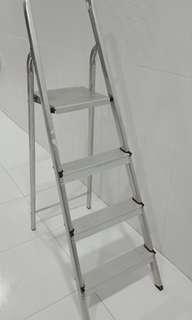 4 Steps Foldable Light Aluminium Ladder
