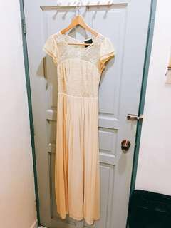 Dinner dress lace gown