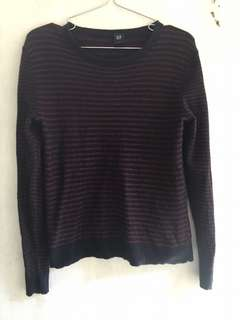 Gap sweater top