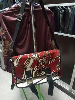 Vivienne Westwood 紅色旅行 大手袋