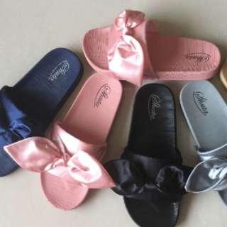 Pink ribbon slides / sandals / fur slides