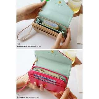 crown wallet medium