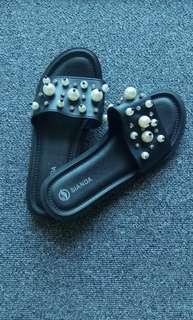 🈹🈹🈹 清屋價 🈹🈹 Slippers