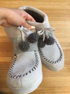 Comfy home slippers