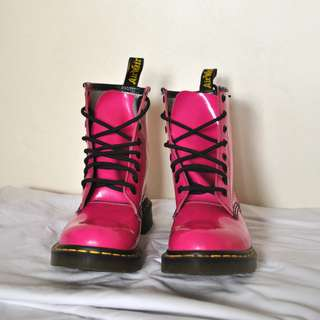 Dr. Marten's Women's 1460 8-Eye Hot Pink Patent Leather Boots ( UK5 / US7 )