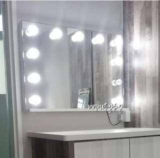SWIFT VANITY MIRROR