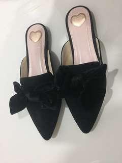 Bow Slip On Mules shoes from Zalora (Velvet)